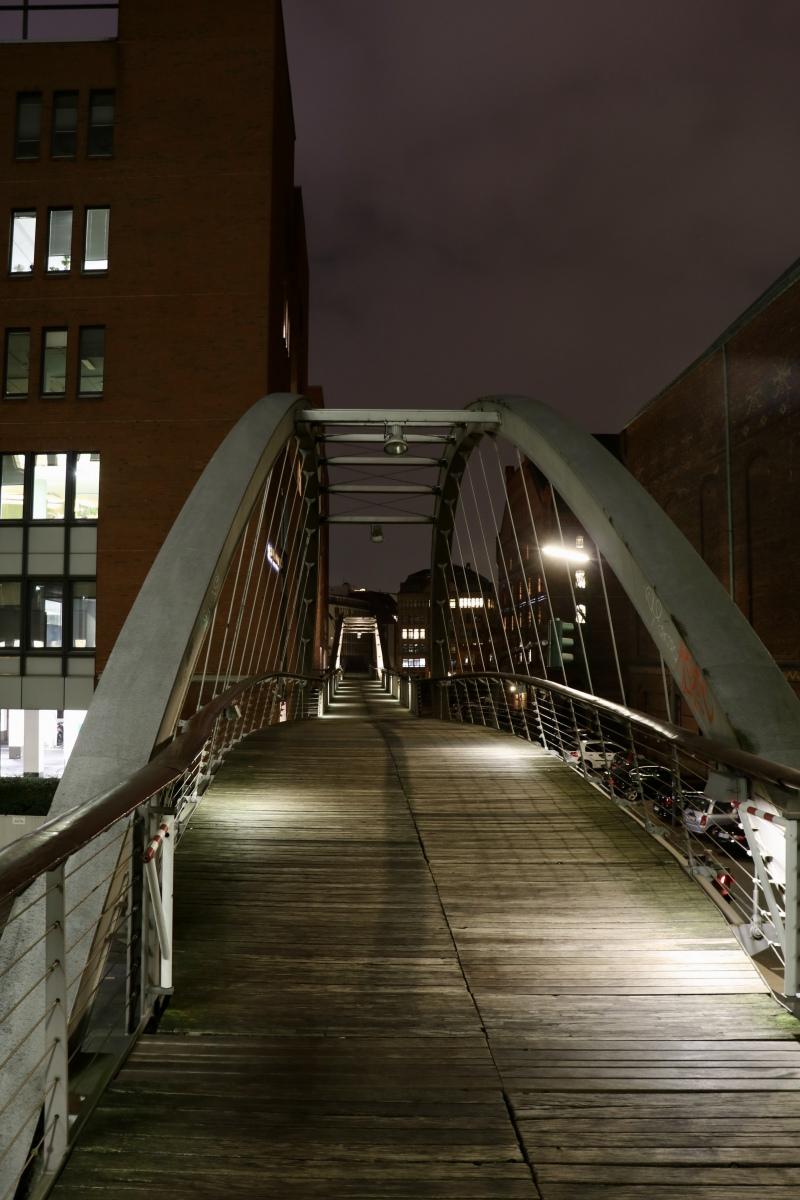 HafenCity-Bruecke